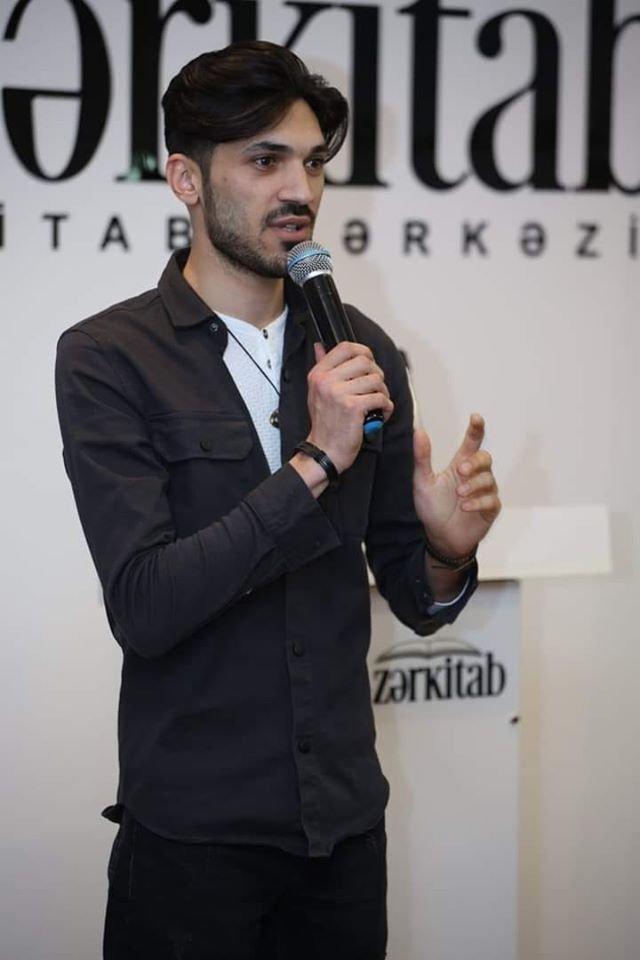 Musiqiçi ata və rejissor oğul fəhləlik edir – ŞƏRHSİZ